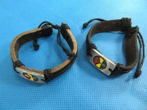 Peace sign rasta rastafarian reggae Jamaican bracelets. Peace symbol imitation leather mens bracelet wristband