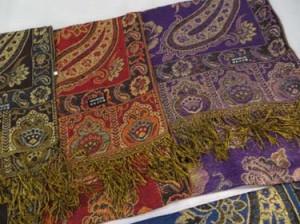 paisley-shawl-u2-82b