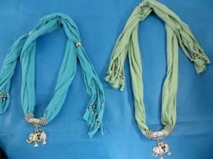 pendant-scarf-u1-81b