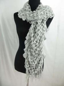 ruffle-scarves-u6-124i