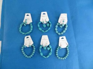 stretchy turquoise bracelet and earring jewelry set