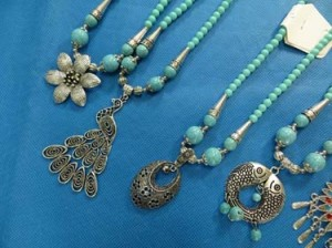 turquoise-necklace-75b