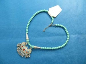 turquoise-necklace-75s