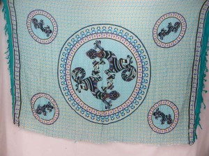 thousand dots gecko inside mandala circle teal blue edge sarong