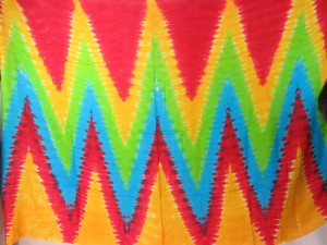 mixed designs zig zag diamond tiles tie dye sarong assorted designs randomly picked by our warehouse staffs designs randomly picked by our warehouse staffs