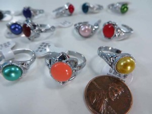 imiattion pearl and faux gemstone fashion rings, mixed sizes between 6 to 10
