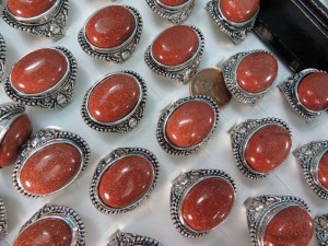 chunky gold sand stone fashion rings size randomly picked between 6 to 10