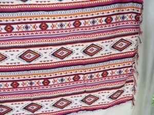 pink red geomatic design sarong