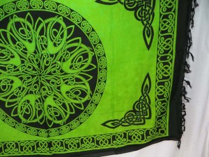 green Celtic symbol knots mandala altar clothes sarong wrap