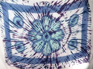 blue giant daisy mandala on centre tie dye sarong