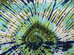 giant daisy mandala on centre tie dye sarong