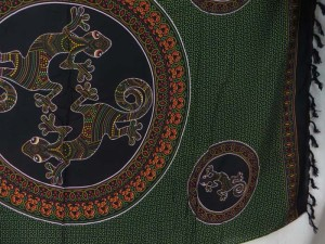thousand dots gecko mandala circle sarong green black