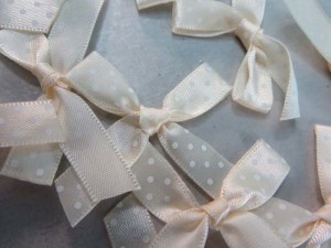 cream polka dots satin ribbon butterfly bow applique / scrapbooking craft DIY / wedding decoration