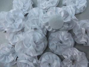white satin ribbon rose applique / scrapbooking craft DIY / wedding decoration