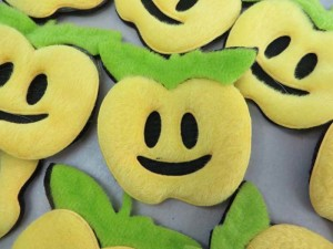 apple happy face felt padded applique / scrapbooking craft DIY / wedding decoration
