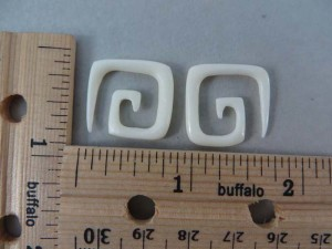 sqaure corner spiral bone earrings