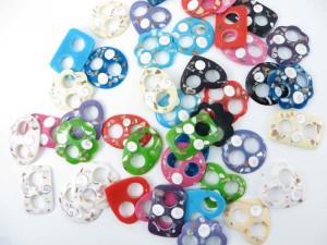 resin sarong buckle with inlaid seashells (sarong clip, pareo scarf fasteners, sarong tie, pareo holder, scarf fastener, scarf buckle, shawl holder, scarf clips)
