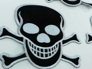 large size pirate skull crossbones Jolly Roger skeleton poison death warning sign