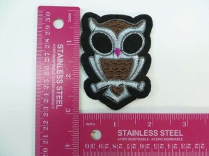 cute owl embroidered iron on patch / embroidered cloth badge motif applique / sew on applique patch