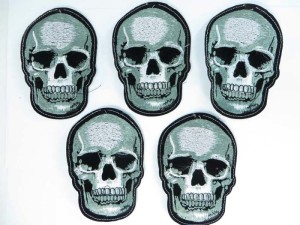 skull embroidered iron on patch / embroidered cloth badge motif applique / sew on applique patch