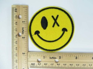 happy face embroidered iron on patch / embroidered cloth badge motif applique / sew on applique patch
