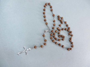Rosary Wooden Beads Chain Necklace Cross Jesus Crucifix Virgin Mary Pendant for Men and Women