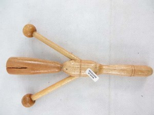 handcrafted percussion instument etek-etek cricket rattle musical instrument
