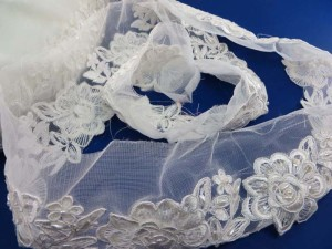 white 3.5 inches wide sequins faux pearl venise bridal sew on lace trim
