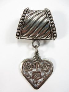 heart pendant slide set Jewelry findings for DIY scarves with jewelry / necklace scarf accessory Each set include one pendant and one slide tube (connected together by a jump ring) with antique silver finishing.