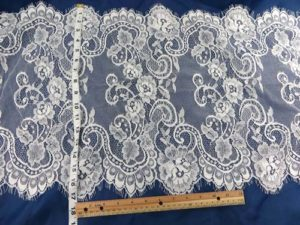 3 meters lace trim eyelash fabric vintage venice French Chantilly style white 43cm wide double eyelash edges, great for DIY sewing sexy lingeria, lace caps, skirt dress, bridal wedding dress, craft making