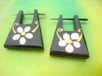 flower painted natural wood pin ear ring