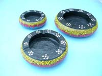 Dotted color ashtray set