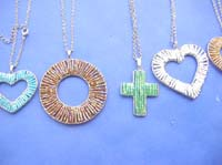 beaded-pendant-necklaces-1d