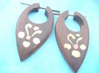 wooden peg earlets earrings flowers design
