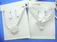 faux-pearl-jewelryset-2l-necklace-earring